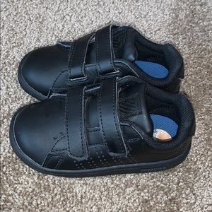 Boys Kswiss sneakers